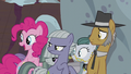 Pie family hears the Apples return S5E20.png