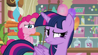 Pinkie holds her breath behind Twilight S5E19