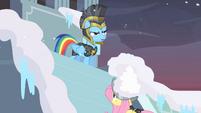Private Pansy snow helmet S2E11