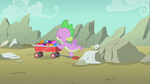Spike sniffing gems S1E19