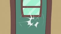 Train car door knocking S6E18