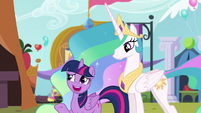 "Twilight ""Just doing my best to spread friendship"" S5E11"