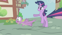 Twilight and Spike shocked S1E6