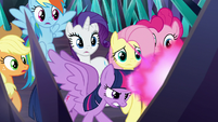 Twilight trying to free herself and her friends S9E2