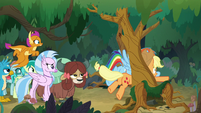 AJ and Rainbow get stuck between trees S8E9