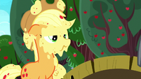 Applejack covered in applesauce S8E18