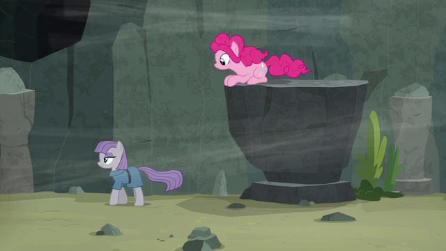 File:Maud Pie walks away from very low ledge S7E4.png