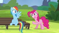 Pinkie Pie pointing at Rainbow S4E21