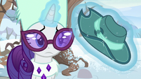 Rarity looking at Fedora Felt hat MLPBGE