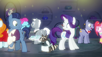Rarity shocked to see a waiter raccoon S6E9