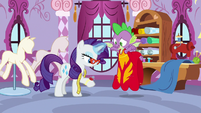 Spike happy to help Rarity S8E11