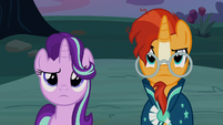 Starlight and Sunburst looking confused S7E24