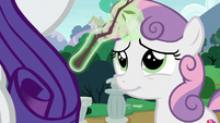 Sweetie Belle removes stick from Rarity's mane S7E6
