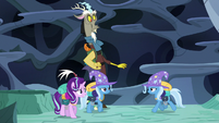 Trixie-Thorax regroups with his friends S6E26