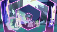 Twilight creates a Changeling Kingdom simulation S7E1