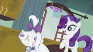 640px-S2E05 Rarity looking at Opalescence
