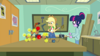 Applejack creates an apple molecule EGDS6