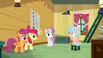 Crusaders tutor Cozy Glow in the clubhouse S8E12