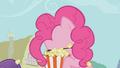 Pinkie Pie om nom nom S01E04.png