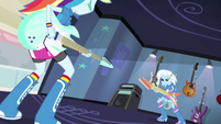 Rainbow Dash and Trixie face off EG2