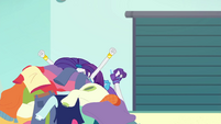 Rarity screams into a pile of clothes EGROF
