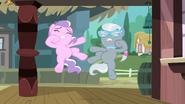 S03E04 Silver i Tiara spadają