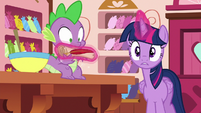 Twilight giving him a scroll and quill yet again S6E22
