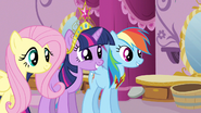 Twilight glad to have Rarity S3E13