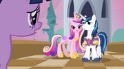 640px-Cadance being possessive of Shining Armor S2E25