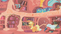 Applejack throwing pillows S01E08.png