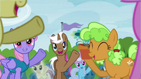 Crowd of ponies excited S4E22