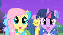 Fluttershy and Twilight 'meet new friends' S01E26