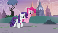 Pinkie Pie and Rarity return to Carousel Boutique S7E9