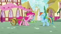 Pinkie Pie stressed; Rainbow continue to pretend S7E23