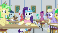 Plainity as the center of attention S8E16