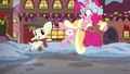 Spirit of HW Presents and Featherweight click their heels again S6E8.png