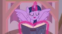 "Twilight Sparkle ""make sure to do things"" S8E1"
