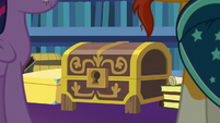 Twilight and Sunburst's haul of antiques S7E24