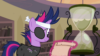 Twilight reading the scroll S02E20