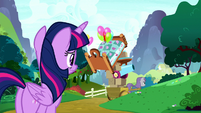 Twilight watching Maud Pie leave S8E18