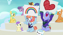 Bow and Windy cheer for Rainbow in flashback S7E7