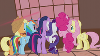 Mane Six watch through the window S5E9