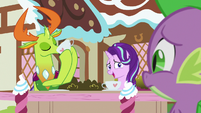 Starlight Glimmer gestures her head at Thorax S7E15