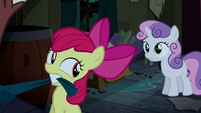 Sweetie Belle tries to stop Apple Bloom S5E6