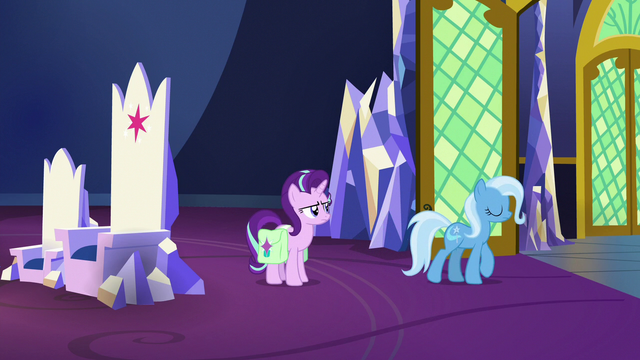 File:Trixie leaving the throne room S7E2.png