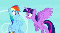 Twilight Sparkle shouting at Rainbow Dash S4E21