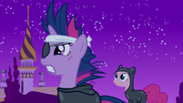 Twilight sneaking around S2E20
