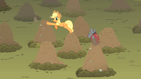Applejack rover whack a dog S01E19