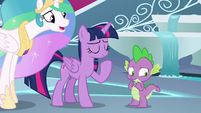 Celestia getting Twilight's attention S8E7