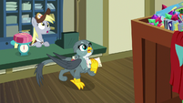 Derpy and Gabby look at giant box S9E19